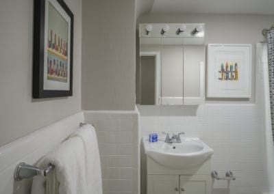 Large bathroom with tile in Rittenhouse Square apartment