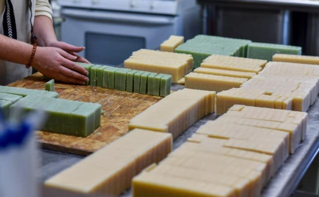 Shop Locally Made Bath and Body Products at Duross & Langel